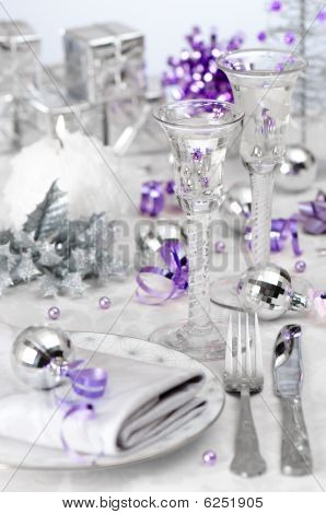 Christmas Wine Table Setting
