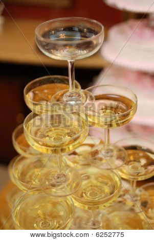 champagne tower of weddings