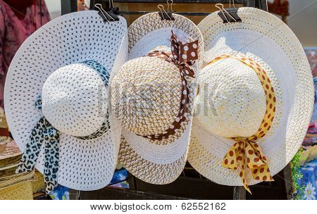 Three Vintage Of Woven Hat.