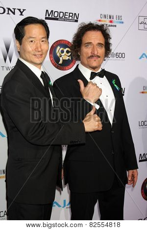 LOS ANGELES - FEB 8:  Charles Rahi Chu, Kim Coates at the 2015 Society Of Camera Operators Lifetime Achievement Awards at a Paramount Theater on February 8, 2015 in Los Angeles, CA