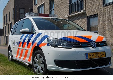 Dutch Police Car (Volkswagen Touran) - Nationale politie