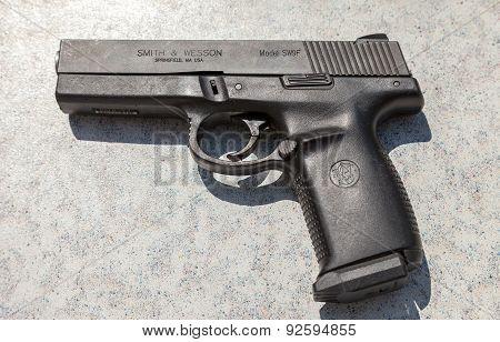 Semi Automatic Handgun Smith & Wesson