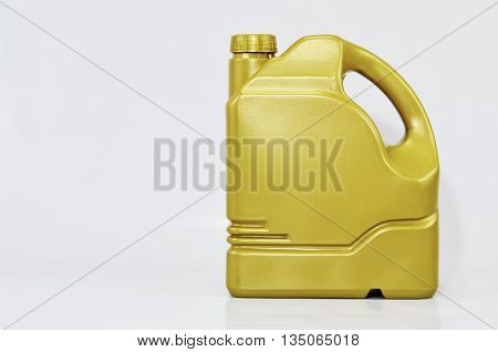 Packaging maintain engine oil prolongs lifespan for vehicle.