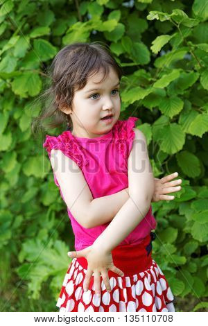 little girl expressed surprise at the park