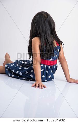 indian girl and tantrums, indian girl not posing for photo shoot, modeling, indian girl model showing back, not posing for photo-shoot