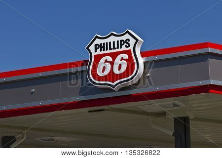Indianapolis - Circa June 2016: Phillips 66 Company Retail Location. Phillips 66 is an American Energy Company III
