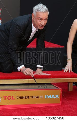 LOS ANGELES - JUN 20:  Roland Emmerich at the Roland Emmerich Hand And Footprint Ceremony at the TCL Chinese Theater IMAX on June 20, 2016 in Los Angeles, CA