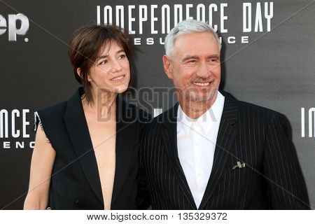 LOS ANGELES - JUN 20:  Charlotte Gainsbourg, Roland Emmerich at the Independence Day: Resurgence LA Premiere at the TCL Chinese Theater IMAX on June 20, 2016 in Los Angeles, CA