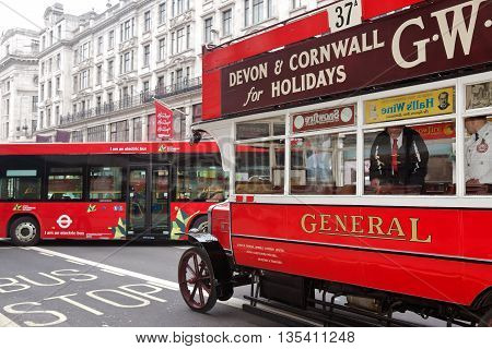 LONDON - OCTOBER 31: A vintage London bus from the WW1 era is put on public display at the annual Regent Street classic motor show on October 31, 2015 in London.