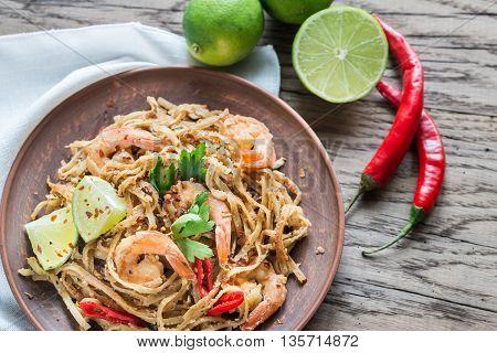 Thai Fried Rice Noodles With Shrimps