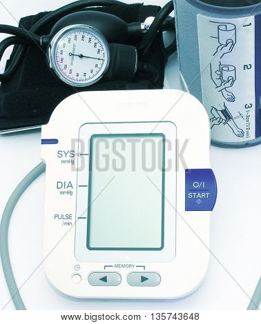 Device for measuring blood