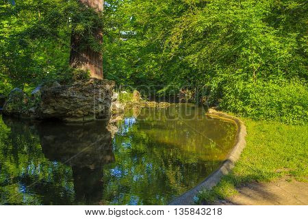 This territory is the Bois de Vincennes situated on the outskirts of Paris.