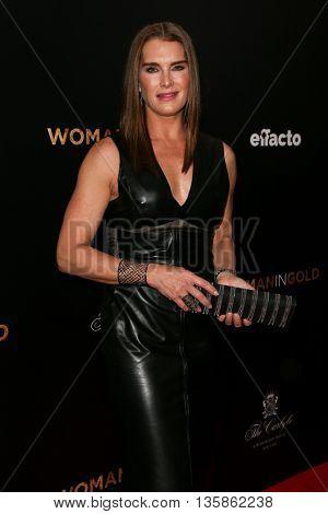NEW YORK-MAR 30: Model Brooke Shields attends the