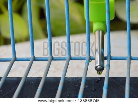 pet automatic drinker mobile in wire cage