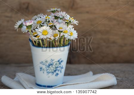 a beautiful picture with white flowers. texture of the petals noteworthy