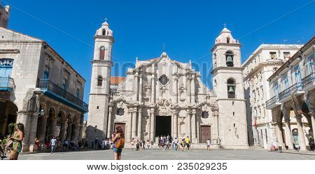 Havana, Cuba - January 16, 2017: Panoramic Of Plaza De La Cathedral In Old Havana With The Baroque A