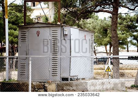 The Electric Generator Is Equipped With A Radiator And Fuel Filter System.