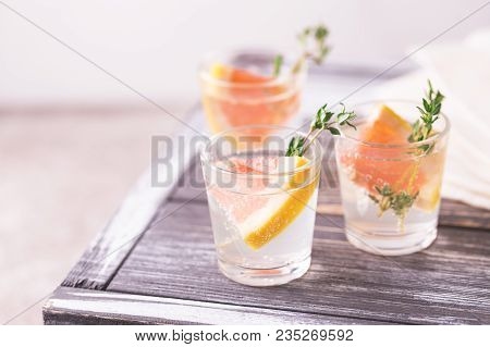 Gin Bitter Lemon With Thyme And Grapefruit.