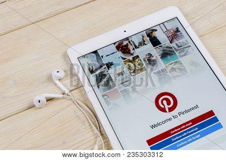 Sankt-petersburg, Russia, April 2, 2018: Pinterest Application Icon On Apple Ipad Smartphone Screen