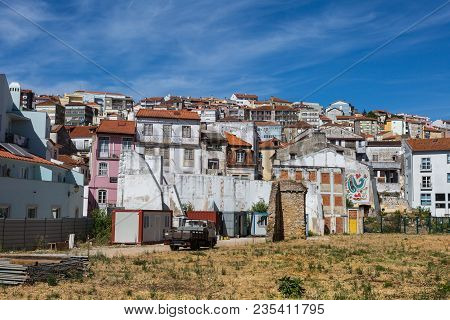 Coimbra, Portugal - August 2016:  Typical Houses In Coimbra In Summer Sunny Day, Portogallo