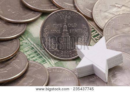 A Quarter Of Maryland, Quarters Of Usa And White Star. A Circle Of The Us Quarters With George Washi