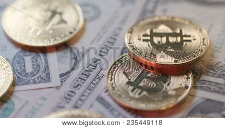 Concept of exchange rate between USD and Bitcoin