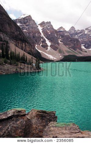Lake Louise And 10 Peak Mountains