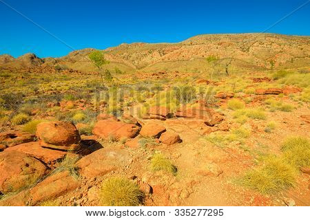 Ormiston Pound Circular Walk In West Macdonnell Ranges National Park And Has Views Of Mount Sonder A