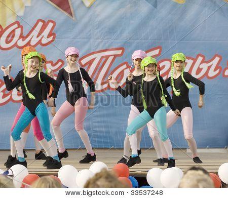 Ensemble Of Culture Dance Rainbow Kids