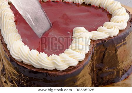 Let's cut a chocolate cake