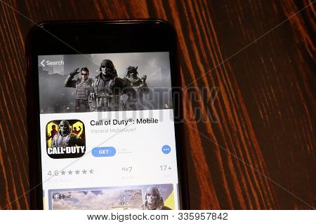 Los Angeles, California, Usa - 26 November 2019: Call Of Duty Mobile App Store Page Close Up On Desk