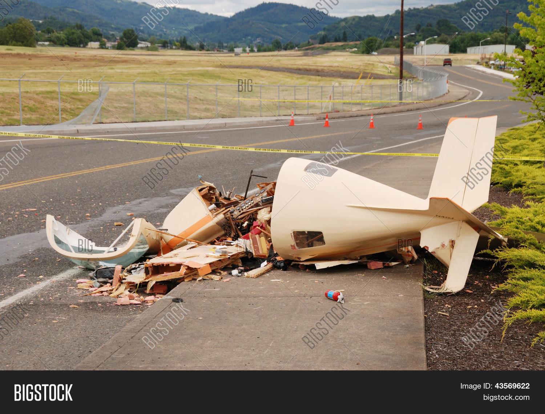 Plane Crash Image & Photo (Free Trial)   Bigstock
