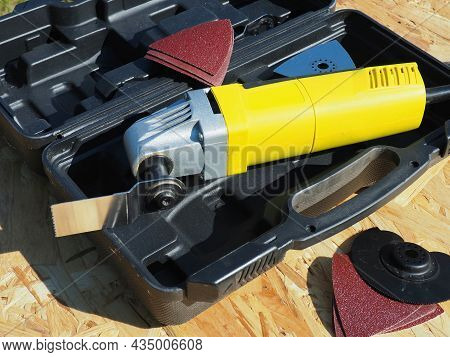 Oscillating Tool Kit. Construction And Repair Tool With Accessories. Heavy Duty Oscillating Multi-to
