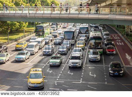 Shanghai, China - April 13, 2017: Lujiazui E Road And Century Avenue Crossroads In Shanghai, China.