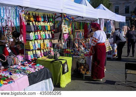 Kyiv, Ukraine - October 2, 2021: Fair Of Traditional Crafts In The Town Square. The Long Counters Di