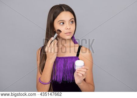 Make-up Girl Apply Facial Powder With Makeup Brush Grey Background, Cosmetic Makeover