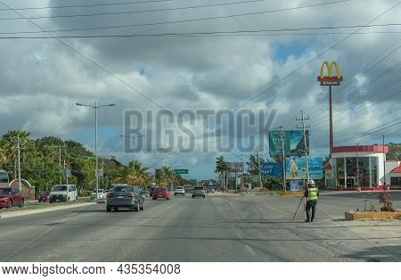 Cancun, Mexico-march 05, 18: Car Traffic On The Tulum-cancun Road, Quintana Roo, Mexico