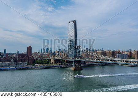Manhattan Bridge With Manhattan New York City Skyscrapers City Over Hudson River Nyc Us