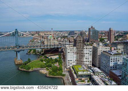 Manhattan Bridge With Brooklyn New York City Skyscrapers City Over Hudson River Nyc Us