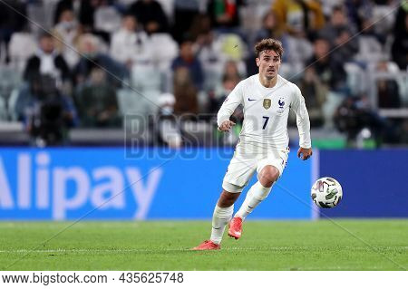 Torino, Italy. 7 October. Antoine Griezmann Of France  In Action During The  Uefa Nations League Sem