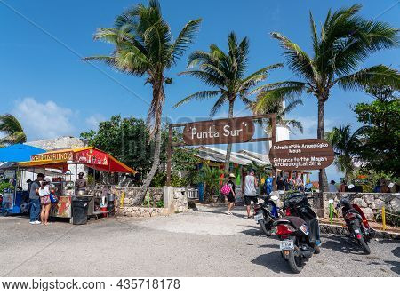 Isla Mujeres, Cancun, Mexico - September 13, 2021: Punta Sur Sign In The Entrance. Punta Sur - South