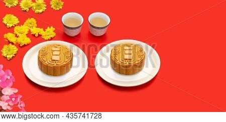 Mooncake With Tea In Mid-autumn Festival, Chinese Dessert