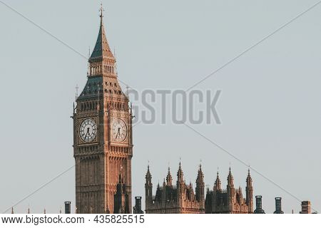 Travel desktop wallpaper background, Big ben England, vivid tone