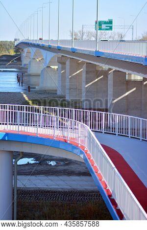 Warsaw, Poland. 10 Oktober 2021. The Motorway Bridge Of The Southern Bypass Of Warsaw. South Bridge.