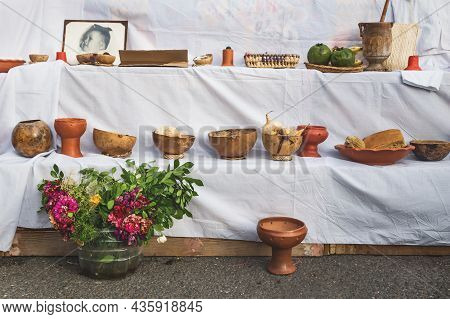 Merida, Mexico: 28 October 2018 - Traditional 'dia De Los Muertos', Day Of The Dead, Altar With Food