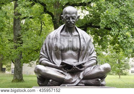 Geneva, Switzerland - July 13, 2021: Mahatma Gandhi Statue In A Public Park In Geneva, Indian Politi