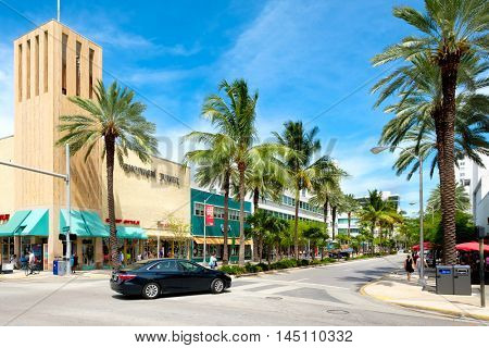 MIAMI BEACH, USA - AUGUST 27, 2016 : The Lincoln Road Shopping Mall, a popular destination for tourists and fashion lovers in Miami Beach