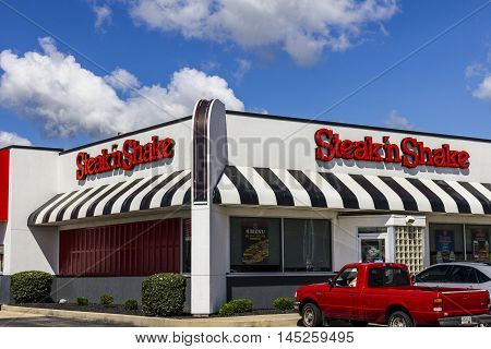 Muncie - Circa September 2016: Steak 'n Shake Retail Fast Casual Restaurant Chain. Steak 'n Shake is Located in the Midwest and Southern U.S. II
