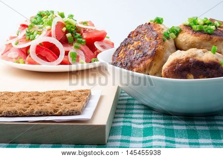 Chicken Meatballs, Salad Of Tomatoes And Whole Wheat Hardtack
