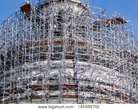 dome of Capitol Hill senate building in Washington D.C. with scaffolding